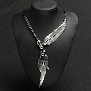 Jewelry - Silver/black Vintage Feather Bohemia Necklace